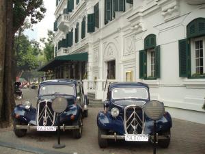 Sofitel Hanoi Entrance